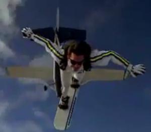 Sport extrême : le skysurfing