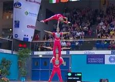 Gymnastique acrobatique… en équipe