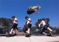 Un amateur de skateboard multiplié par 10!