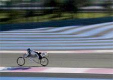 Rouler plus vite qu'une Ferrari… sur une bicyclette!