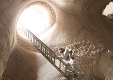 Transformer une grotte en cathédrale