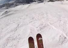Descente étourdissante de ski slopestyle!