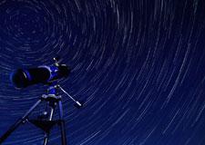 Tradition estivale : les pluies d'étoiles filantes!