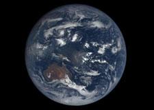 La Terre prend la pose