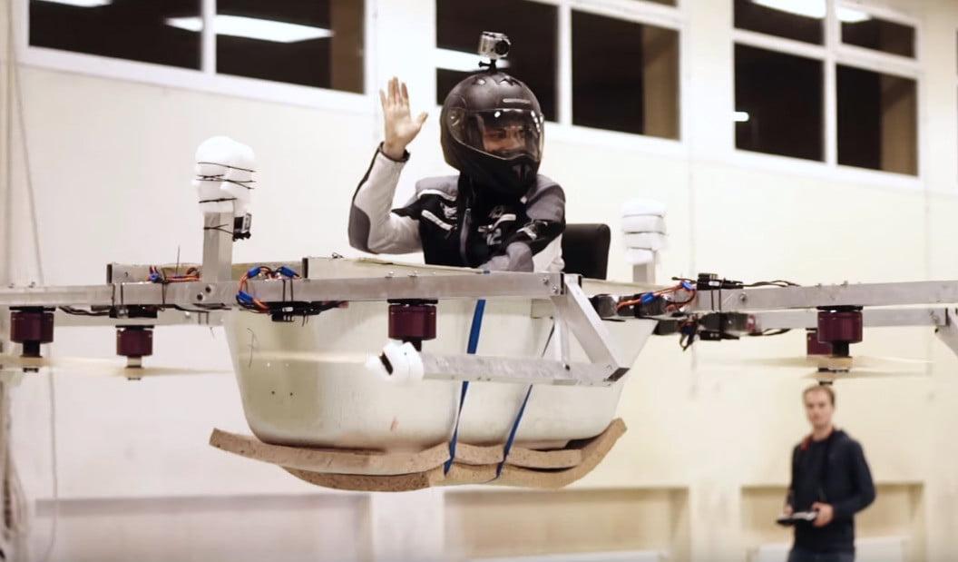 Le premier bain-drone au monde [Vidéo]
