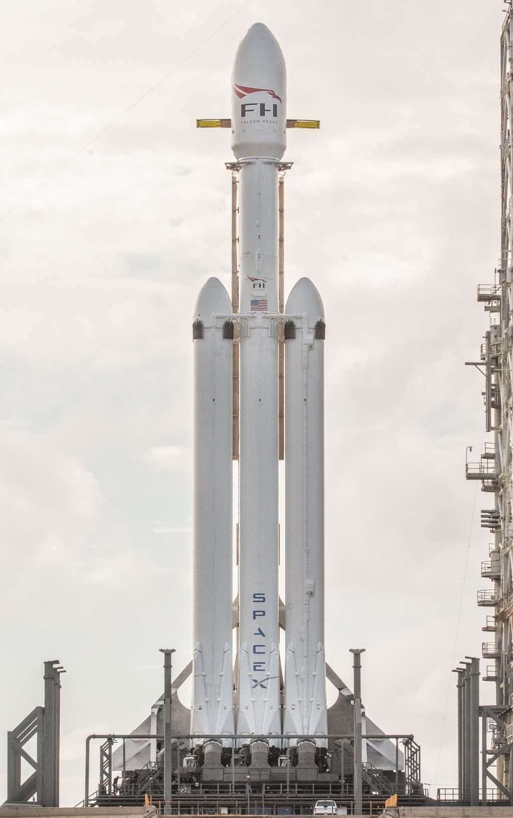 Lancement de Falcon Heavy, la fusée superpuissante!