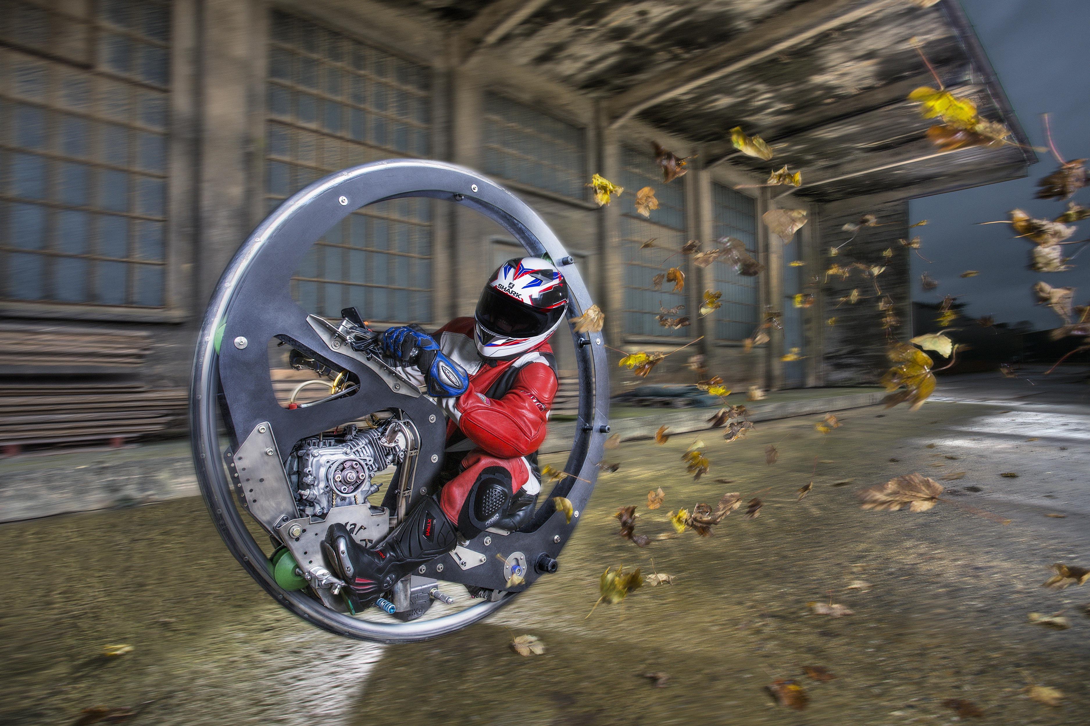 Monowheel : la grande roue ultra rapide