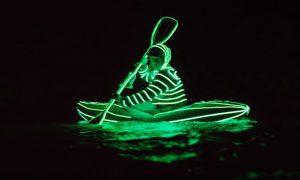 Kayak dans le noir