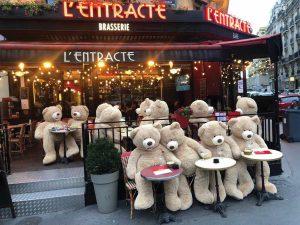 Des ours en peluche géants dans les rues de Paris!