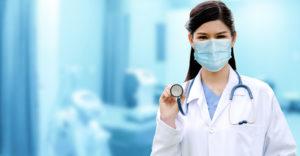 À l'hôpital, comment soigne-t-on la COVID-19?